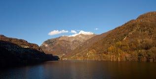 Lago de contra Fotos de Stock