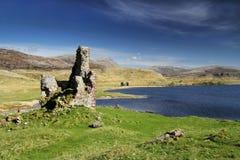 Lago de desatención Assynt del castillo de Ardvreck Imágenes de archivo libres de regalías