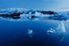Lago de Jokulsarlon, al sur de Islandia imagen de archivo