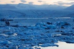 Lago de Jokulsarlon, al sur de Islandia imagenes de archivo