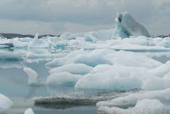 Lago de Jokulsarlon, al sur de Islandia foto de archivo