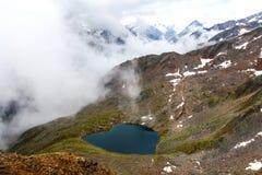 Lago de la forma del corazón Fotos de archivo