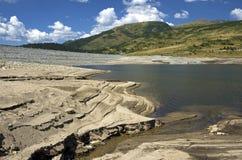 Lago de la montaña de la sequía Imágenes de archivo libres de regalías