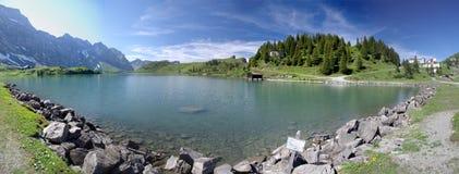 Lago de la montaña de Trubsee imagen de archivo libre de regalías