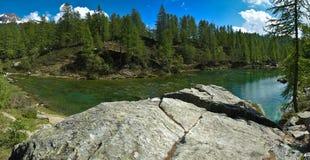 Lago de la montan@a de Devero de las brujas (lago azul) Imagenes de archivo