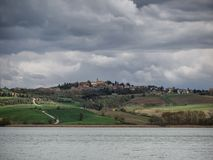 Lago de lac di Chiusi en Toscane Images libres de droits