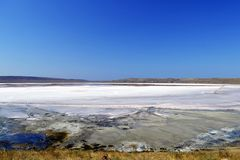 Lago de sal único Chokrak Imagenes de archivo