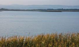 Lago de sal de Pomorie em Bulgária, outono Foto de Stock