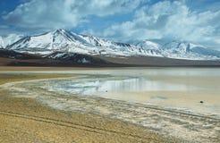 Lago de sal dos calientes das águas imagem de stock