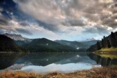 Lago de Sauris (² y del italà Foto de archivo