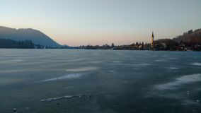 Lago de Schliersee en hielo Imagenes de archivo