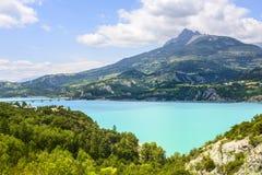 Lago de Serre-Poncon (cumes franceses) Fotos de Stock Royalty Free