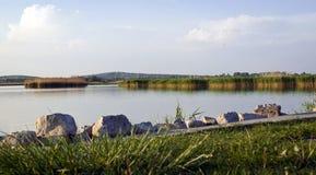 Lago de Velence na tarde imagem de stock royalty free