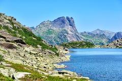 Lago degli alcoolici della montagna Immagini Stock Libere da Diritti
