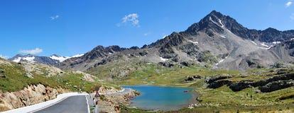 Lago del blanco del paso del gavia de Carona Fotografía de archivo