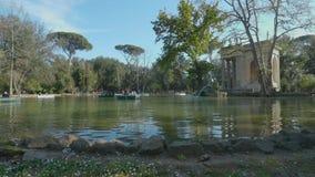 Lago del chalet Borghese y del templo de Aesculapius