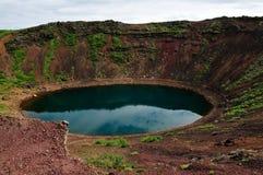 Lago del cráter del volcán de Kerio en Islandia Foto de archivo libre de regalías