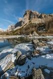 Lago del doppio di Triglav e la montagna di Ticarica Fotografie Stock