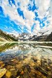 Lago del ghiacciaio sospeso, montagne di Purcell, Columbia Britannica, Canada immagini stock