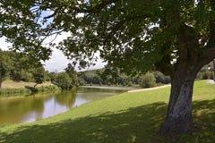 Lago del santo-Pée-sur-Nivelle en Francia Imagenes de archivo