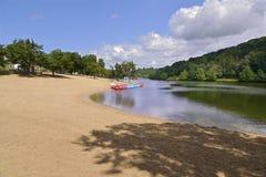 Lago del santo-Pée-sur-Nivelle en Francia Fotos de archivo libres de regalías