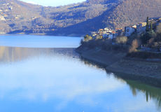 Lago del Turano Photos stock