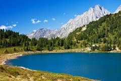 Lago dell'alta montagna Fotografie Stock Libere da Diritti