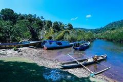 Lago dell'industria della pesca del cielo blu Fotografie Stock Libere da Diritti