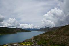 Lago della montagna del plateau Immagine Stock