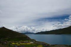 Lago della montagna del plateau Fotografia Stock