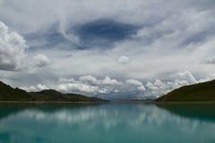 Lago della montagna del plateau Fotografie Stock Libere da Diritti