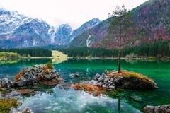 Lago della montagna di Fusine Lago di Fusine del lago in Italia del nord Immagine Stock Libera da Diritti