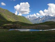 Lago della montagna di Koruldi Fotografia Stock