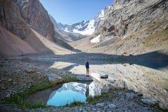 Lago delle montagne di Fann fotografie stock