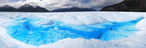Lago dentro del glaciar merino de Perito en Patagonia Foto de archivo libre de regalías