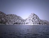 Lago Dhebar del lago Jaisamand cerca de Udaipur, Rajasthán, la India Imagen de archivo