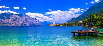 Lago di加尔达-意大利的北部的美丽的鲜绿色湖 库存照片