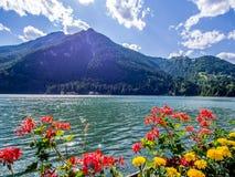 Lago di Alleghe - Dolomit - Italien Stockfotos
