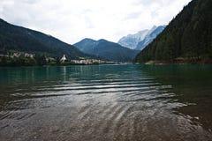 Lago di Auronzo, Italia fotografia stock