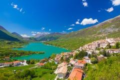 Lago di Barrea, Abruzzo, Italien Royaltyfria Bilder
