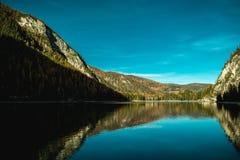 Lago Di Braies Stock Afbeeldingen