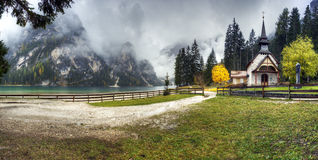 Lago di Braies, Itália Fotografia de Stock