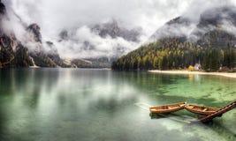 Lago di Braies, Itália Fotos de Stock