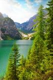 Lago di Braies Pragser Wildsee в Sudtirol, Италии стоковые изображения