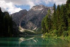 Lago di Braies - Pragser Wildsee, södra Tyrol, Dolomites Arkivfoton
