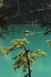 Lago di Braies - Pragser Wildsee, södra Tyrol, Dolomites Royaltyfria Foton