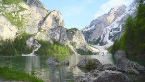 Lago di Braies banque de vidéos