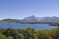 Lago di Campostosto Arkivbild