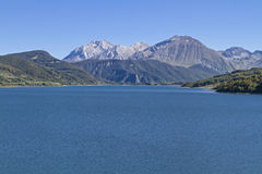 Lago di Campostosto Photographie stock libre de droits