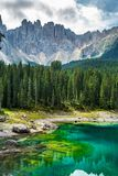 Lago Lago di Carezza, Karersee Carezza Alpi delle dolomia south Fotografie Stock